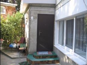 Снять квартиру в Ялте - 2 к апартаменты в Ялте, в центре ул. Моногарова