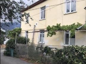 Снять квартиру в Ялте - 2 к квартира в Ялте, ул.Лесная