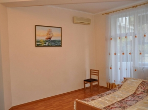 Снять квартиру в Ялте - Купить 3-х комнатную квартиру в Ялте,ул. Володарского 9
