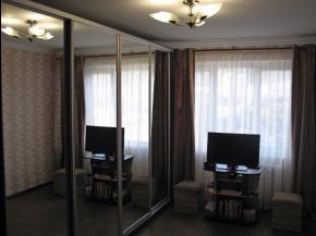 Снять квартиру в Ялте - Купить квартиру в  Ялте, спальный район, ул. К.Цеткин
