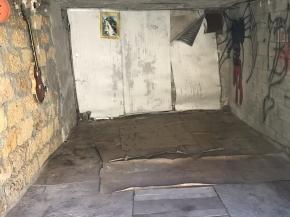 Снять квартиру в Ялте - Купить гараж