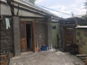 Снять квартиру в Ялте - Купить участок в Ялте, ул. Ломоносова